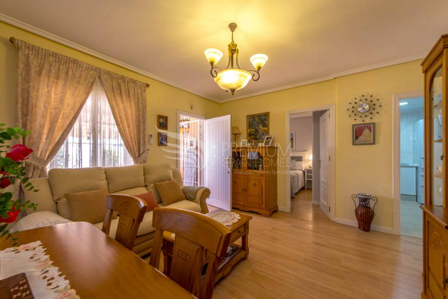 Sale - Apartment - Torrevieja - La Veleta