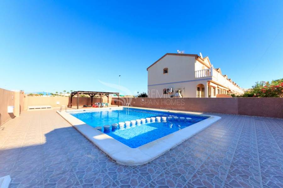Resale - Semi-Detached - Torrevieja - Aguas Nuevas 1